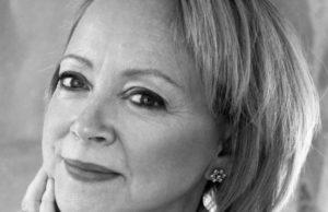 Lynda Gratton Eyes wide open